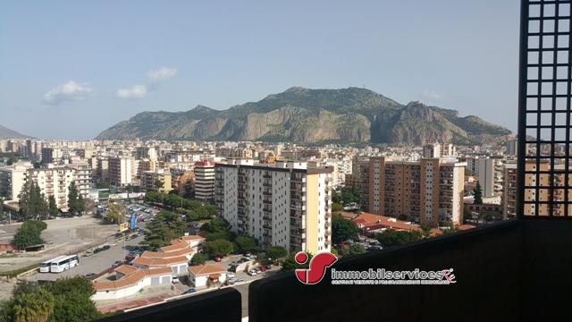 Affitto appartamento palermo pa via giotto panoramico for Bivani arredato palermo